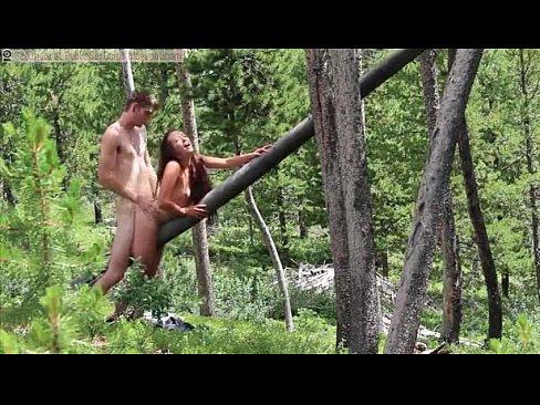 transando com a amante no meio da floresta