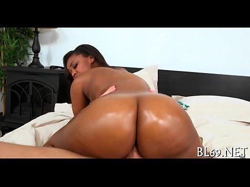 Nina Rotti liberando sua bucetinha raspada