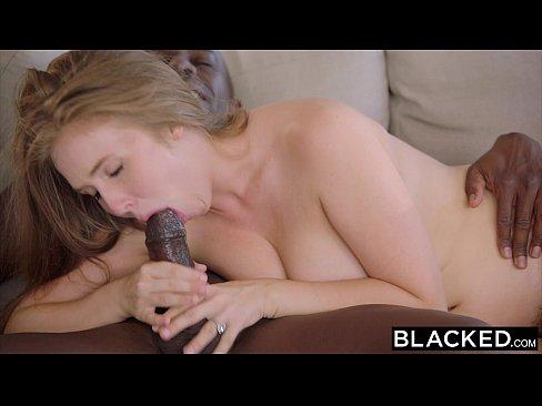 Loiraça peituda fazendo sexo com o cafajeste