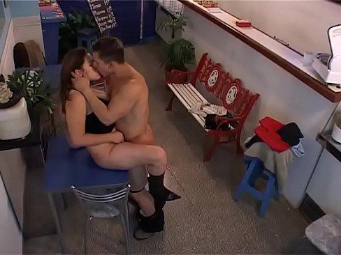 Porno brasileiro marmanjo fodendo com enteada