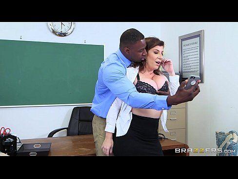 Comendo a bunda da sua amiga da escola de trabalho