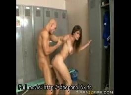 Porno anal no vestiário