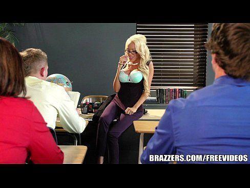 Professor fazendo sexo quente com mãe peituda de aluna