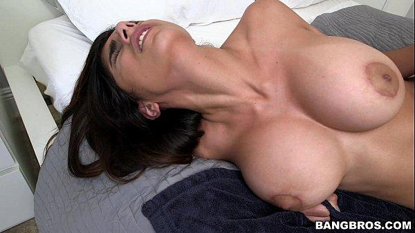 Vídeo exclusivo de sexo gostoso com Mia Khalifa
